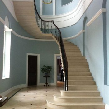 Cantilever-Staircase-in-Massangis-Clair