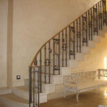 Cantilever-in-Portuguese-Limestone