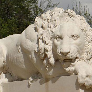 Crouching-Canova-Lion-in-Massangis-limestone