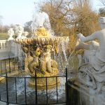 Fountains,-Water-Features-&-Swimming-Pools