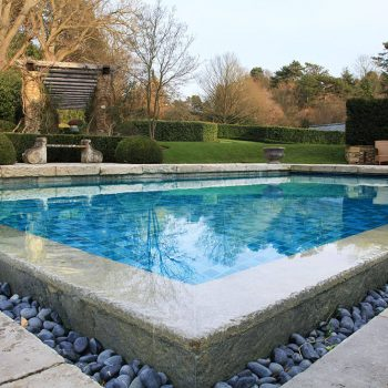 Swimming-Pool-in-heavily-antiqued-Massangis-Beige-Claire-and-reclaimed-french-limestone-paving-(1)