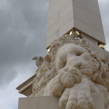 Sleeping-Canova-Lion-in-Massangis-limestone