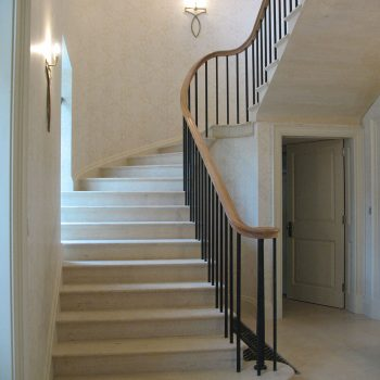 cantilevered-staircase-in-Greetham-Stone-(1)