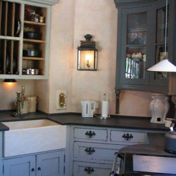 Butler-Sink-in-Crema-Marfil