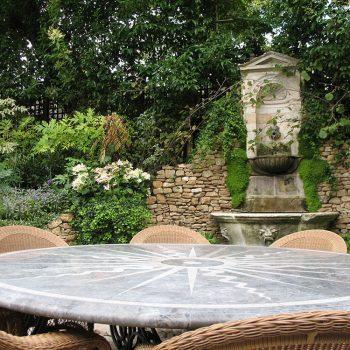 Garden-Table,-Private-Residence,-Kensington