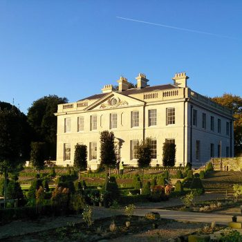 Llisted-18th-century-private-country-house,-Sussex