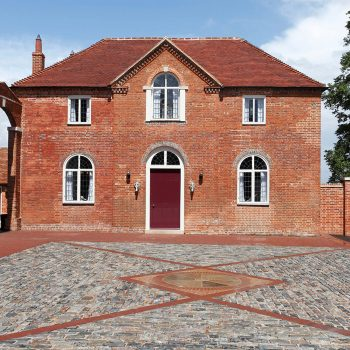 Private-Country-House,-Hampshire