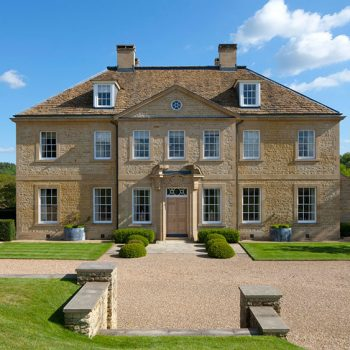 Private-Country-House-in-Blaxter-Stone