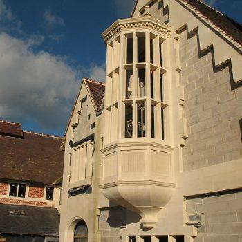 Private-residence-in-Berkshire-in-Hartham-Park-Bath-stone